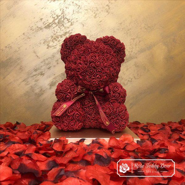 Miś z róż bordowy ze wstążką